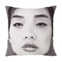 Cushion japanese portrait